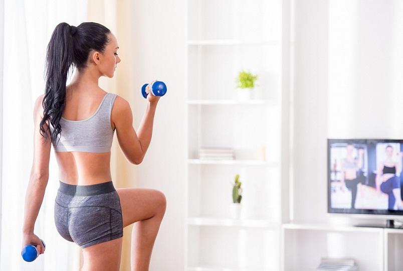 Миниатюра к статье Фитнес в домашних условиях для женщин: обустраиваем спортзал дома