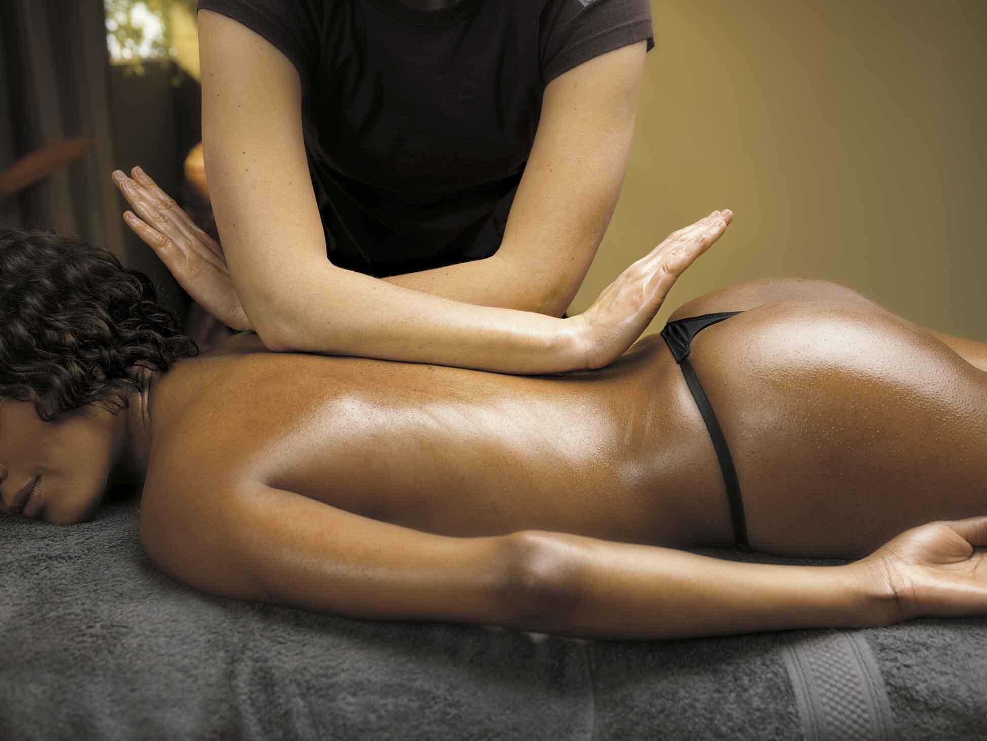Миниатюра к статье Как делать эротический массаж?