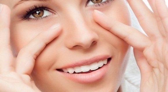 Миниатюра к статье Разглаживающая маска под глаза от морщин в домашних условиях