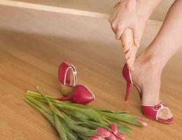 Миниатюра к статье Как лечить мозоли на ногах от обуви?