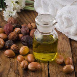 Миниатюра к статье Аргановое масло: свойства и применение в косметологии, польза и вред