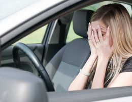 Миниатюра к статье Как побороть страх вождения автомобиля новичку: лучшие советы девушкам