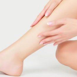 Миниатюра к статье Если сводит ногу судорогой: причины, что делать